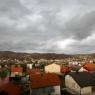 U BiH danas oblačno s kišom, tokom noći susnježica i snijeg